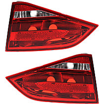 Driver and Passenger Side, Inner Tail Light, Without bulb(s)